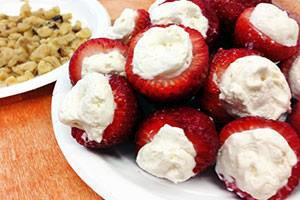 CHEESCAKE FILLED STRAWBERRIES healthy recipe